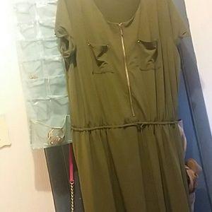 NWOT Avenu Green Dress